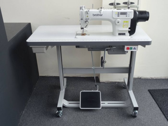 BROTHER S-7100A-403 Direct Drive (UBT) Lockstitch INDUSTRIAL SEWING MACHINE COLLECT IN PERSON ONLY